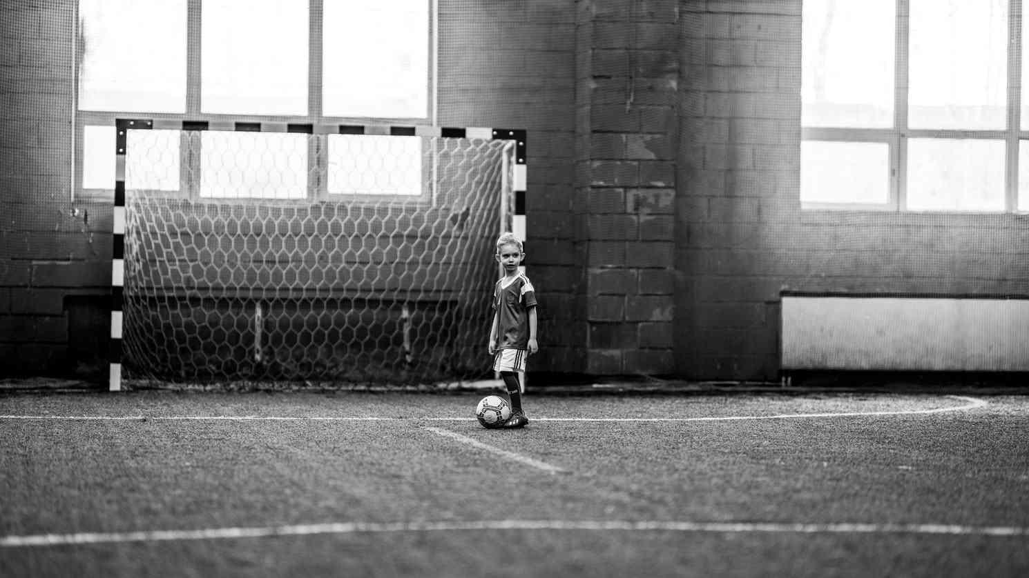 باشگاه و مدرسه فوتبال افشین پیروانی
